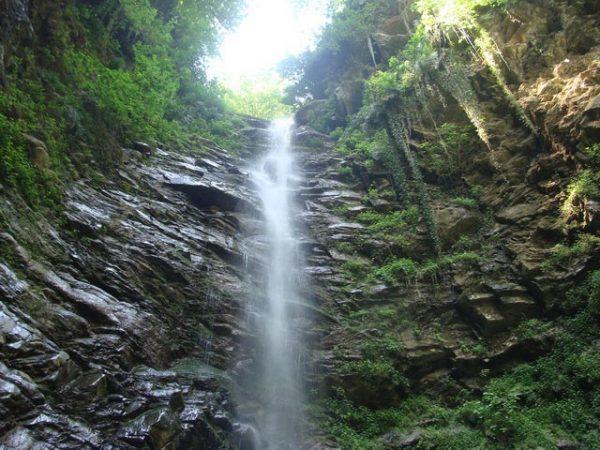 برنامه ۹۵۰۸-بازدید آبشار گزو و شهر آلاشت و پیاده روی در منطقه سوادکوه