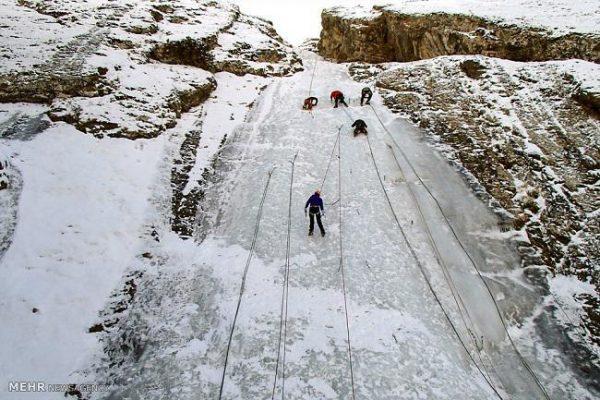 برنامه ۹۷۱۲: آبشار یخی آبنیک ، روستای آبنیک