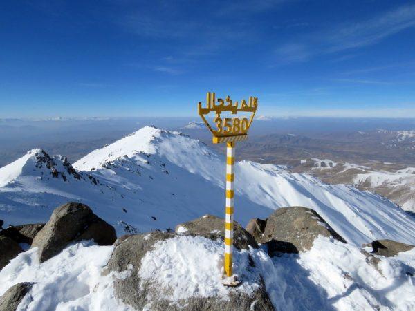 برنامه ۹۸۱۰: صعود به قله یخچال همدان