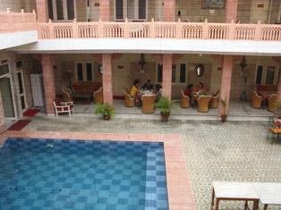 jaipur hotel