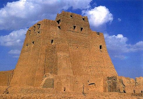 استحکامات و بناهای دفاعی ایران