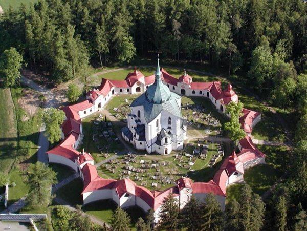 "کلیسای زیارتی ""سنت جان نپوموکی ""در زلنا هورا"