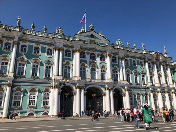 شهر تاریخی سنت پترزبورگ و مجموعه آثار تاریخی وابسته به آن