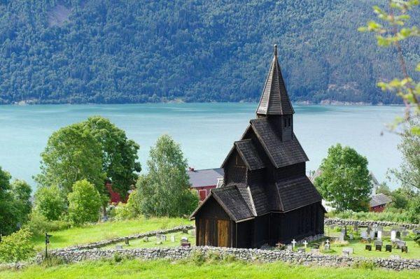 کلیسای چوبی اورنِس