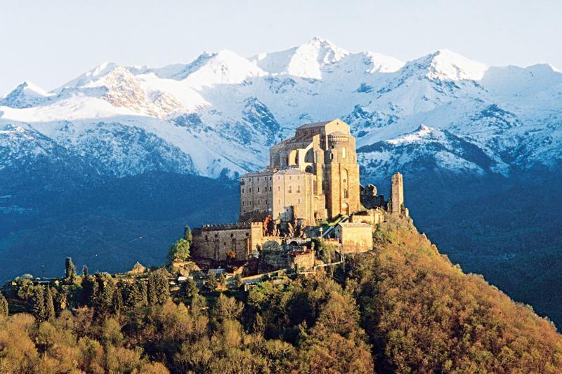 کوههای مقدس منطقه پیدمونت و لومباردی